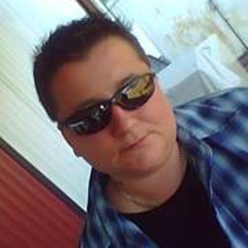 Danielle Marie Folks's avatar