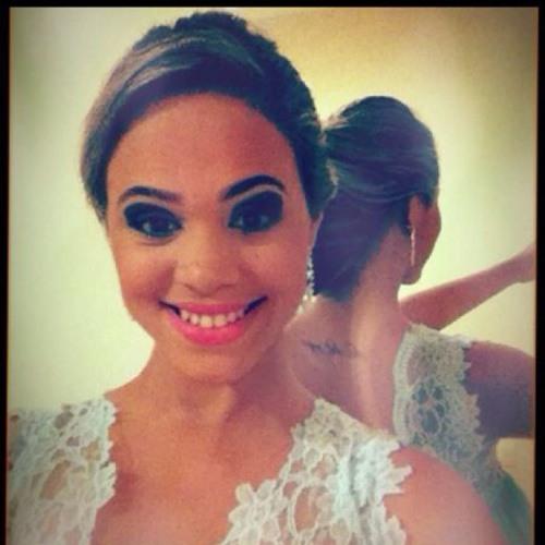 Caren Santos's avatar