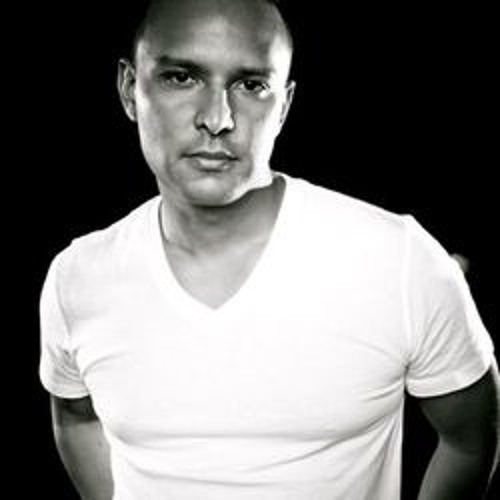 Richie Santana (Mōɖū-ŀāŧē)'s avatar