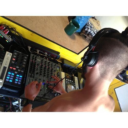 DJ Branwhite's avatar