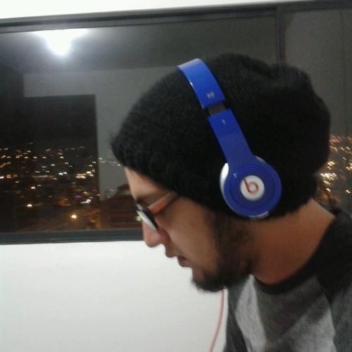 Oscar F Mora's avatar