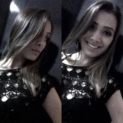 Caroline Rosa A's avatar
