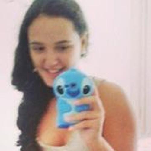 Larissa Saturno's avatar
