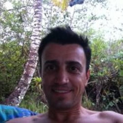 Carlos Faria 16's avatar