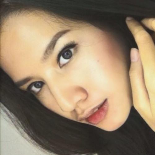 Manda Adelin's avatar