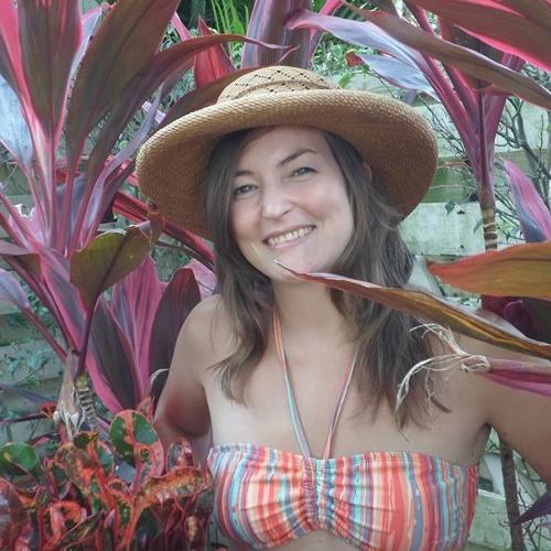 Julia M's avatar