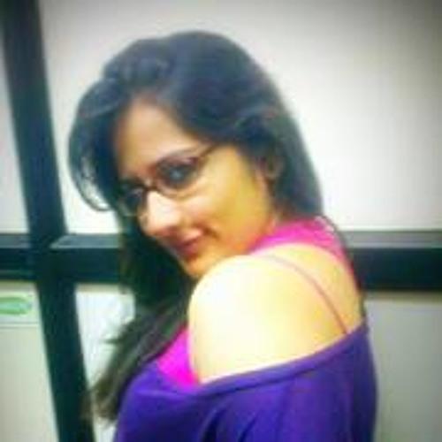 Ria Pamnani's avatar