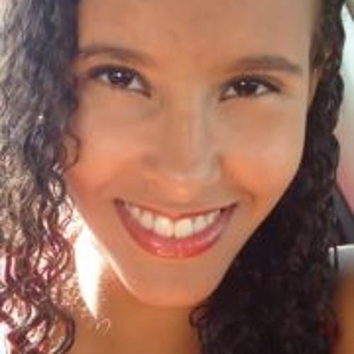 Carolina Leal 11's avatar