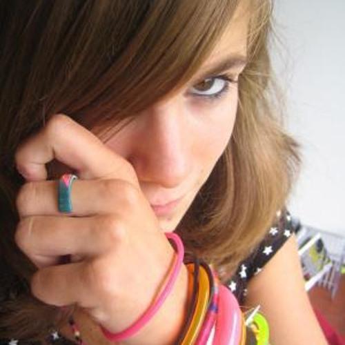 DIZ ANAA's avatar