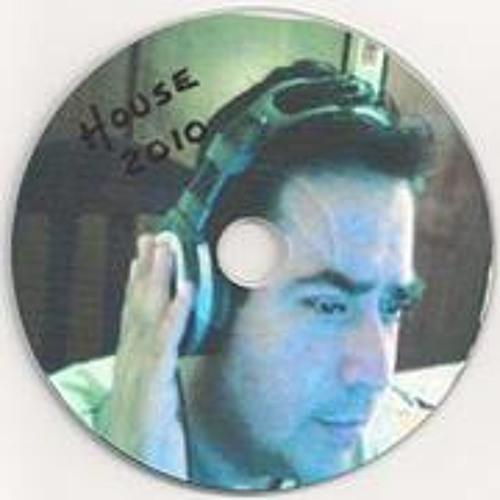 Hellmuth Becerril's avatar
