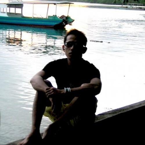 riC2013's avatar