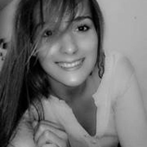 Crislaine Medeiros's avatar
