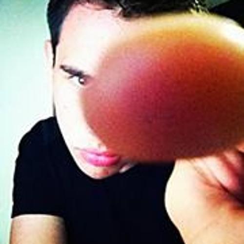 Iram Flores's avatar