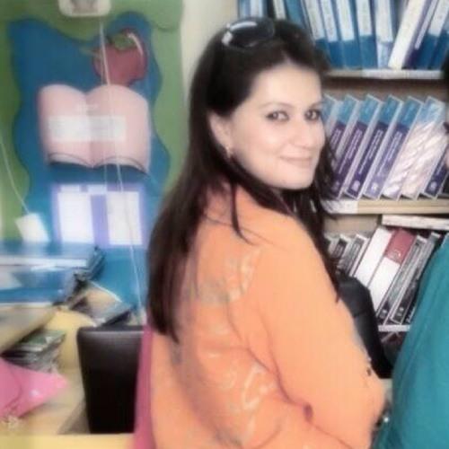Sadia Bukhari's avatar