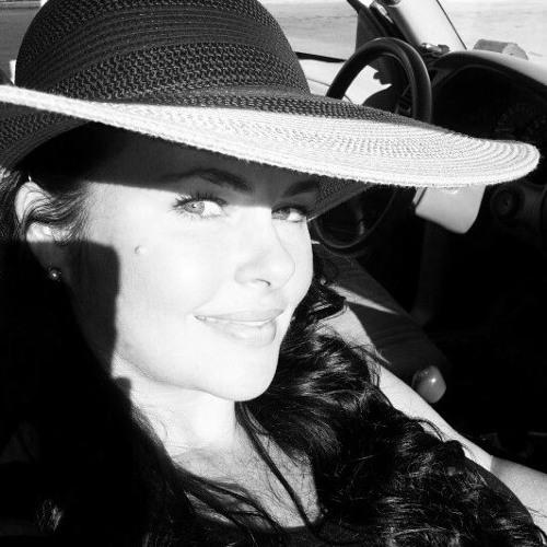 Stephanie Rene' Yardley's avatar