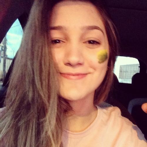 Victória Bonini's avatar
