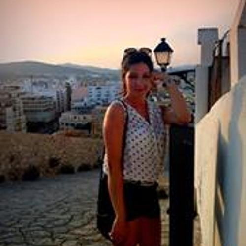 Petra Ta's avatar