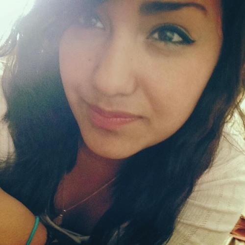 Monica Mtz R's avatar