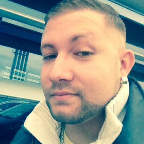 Leandro Molina Gonzales's avatar