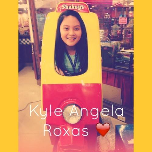 Angela Roxas's avatar