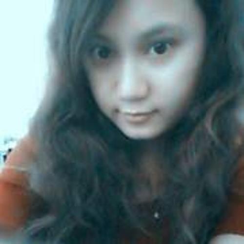 Shwe Yi Win's avatar
