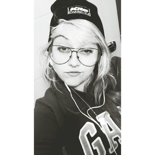 Nathália Verderi's avatar
