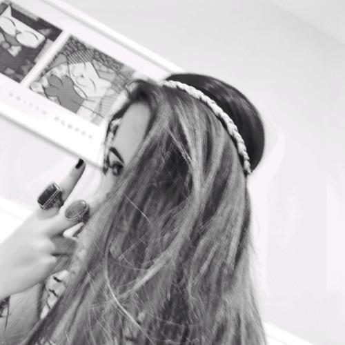 Aline Nemitz's avatar