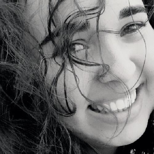 Carol Peixoto 2's avatar