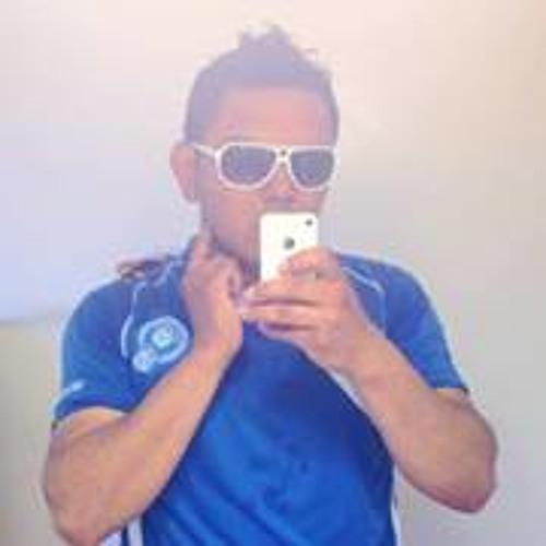 luis amaya 19's avatar