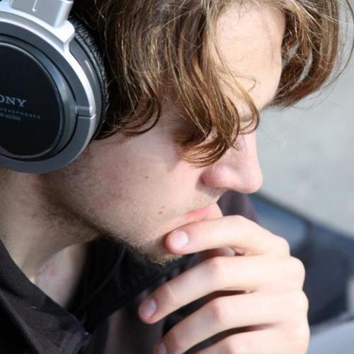 Simon Hellewell's avatar