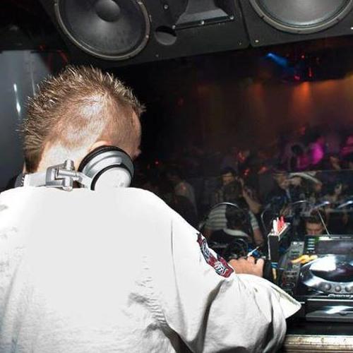 DJ Luke Travis's avatar