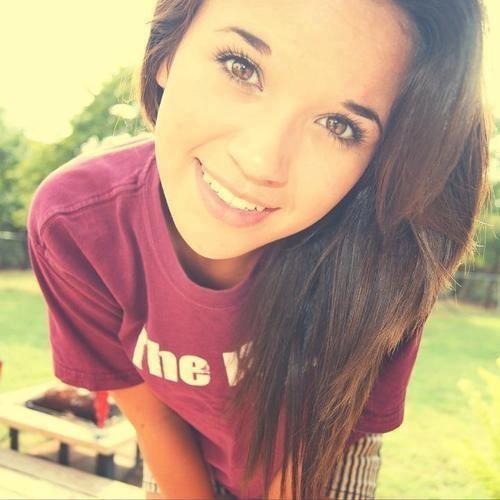 Julia Applebottom <3's avatar