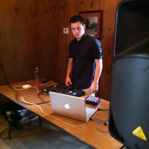 DJ Roop's avatar