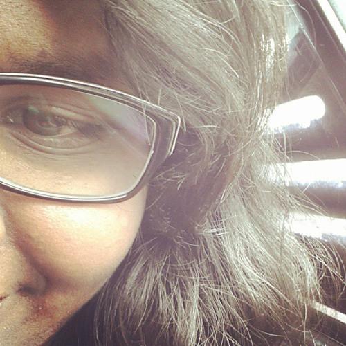 Roslyn Rafaela's avatar