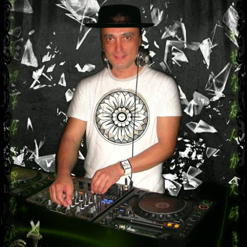 dj arispa's avatar