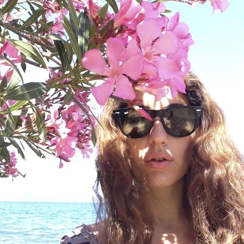 ZeynepUyaroglu's avatar