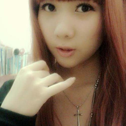 [Kiss] Devina Wu's avatar