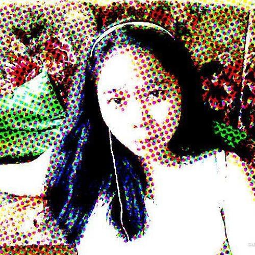 Sarah Dyan Lay's avatar