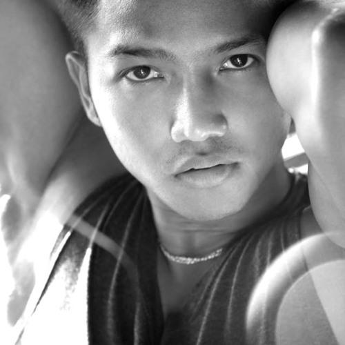 Khun_Em's avatar
