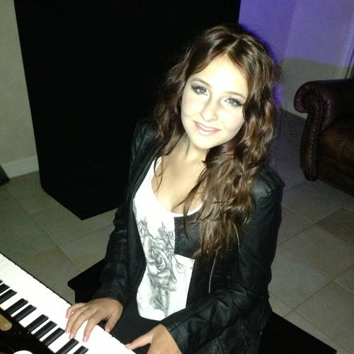 Skyla Rayne's avatar