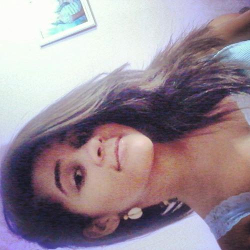Luisa Araújo's avatar