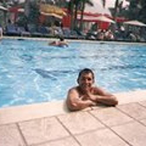 Luis Guevara 26's avatar