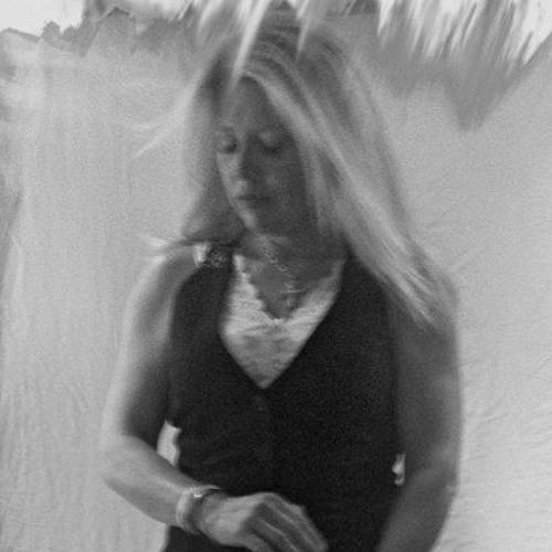 Shelley Lynch's avatar