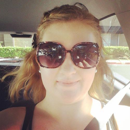 Amanda Pleease's avatar