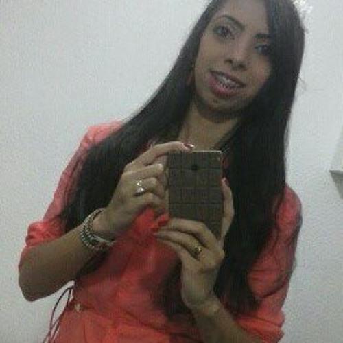 Tayanne Almeida's avatar