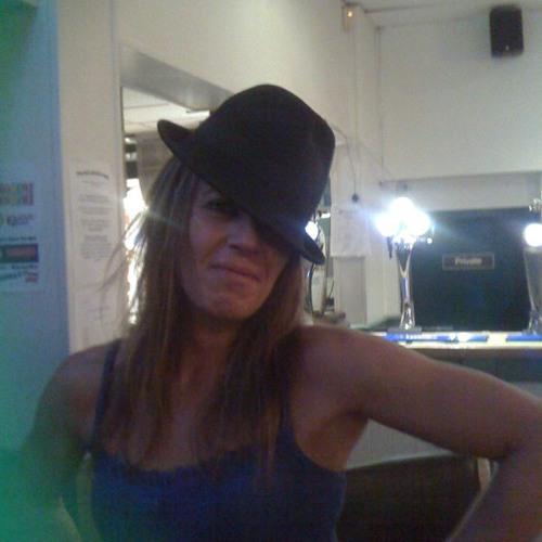 Wendy(MANNYGAL)'s avatar