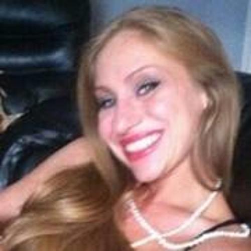 Audrey Burns 2's avatar