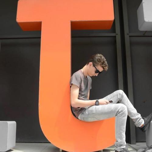 Chris Cooney 5's avatar