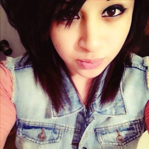 *Vanessa Davila*'s avatar