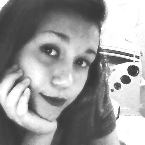 Larissa Fioramonte's avatar